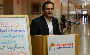 "DCTA President Henry Roman endorses ""Breakfast in the Classroom"" at Ellis Elementary"
