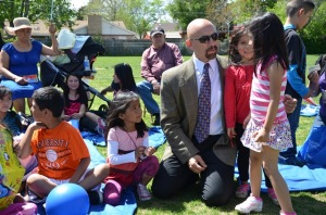 Lt. Gov. Garcia meets Vaughn Elementary families in Aurora during Colorado Literacy Week